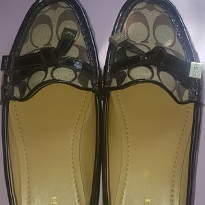Mint Coach Signature Loafers 9